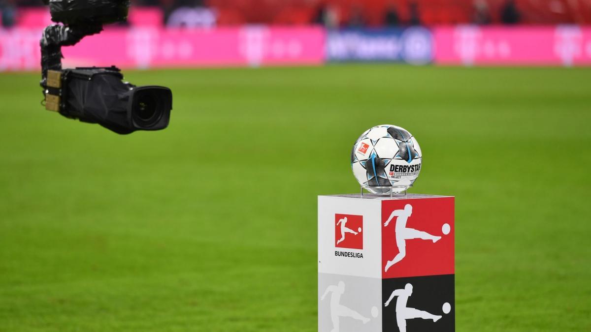 Covid-19 - DFL: Fußball-Bundesliga stellt Spielbetrieb wegen Corona-Virus vorerst ein