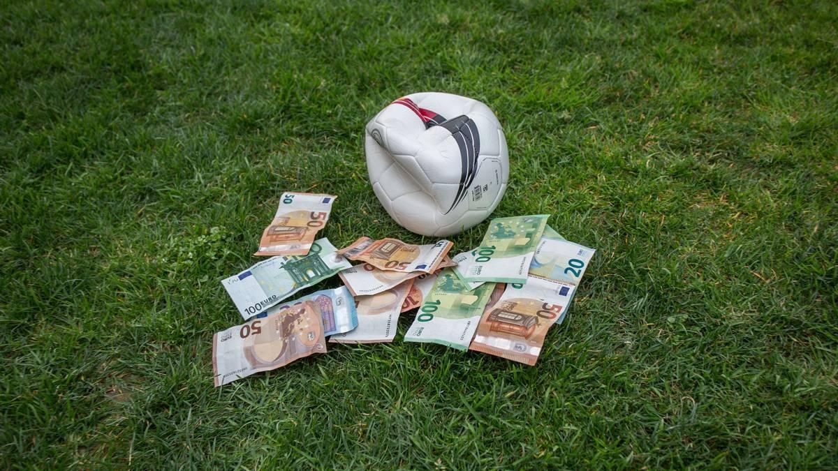 Dem Fußball droht ein wirtschaftlicher Schaden