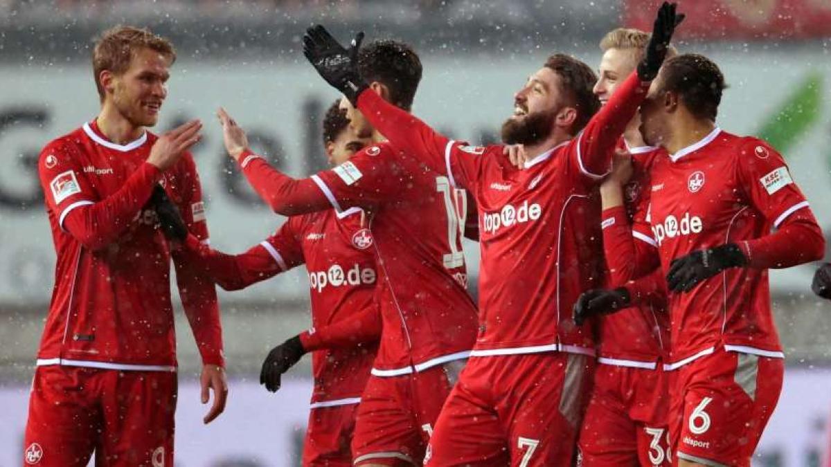 Brandon Borrello (m.) wechselt zum SC Freiburg