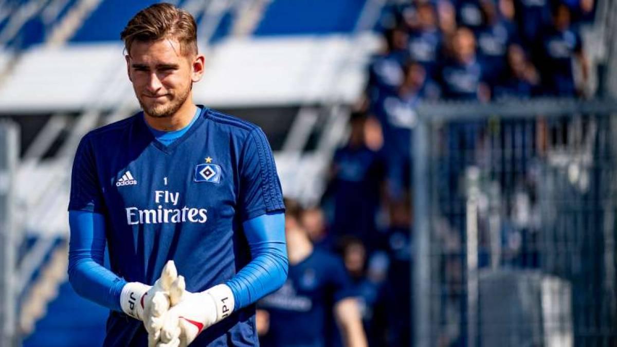 Julian Pollersbeck könnte bald Champions League spielen