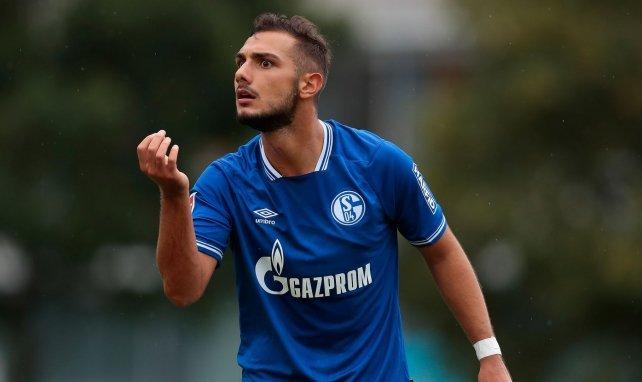 Schalke verleiht Kutucu