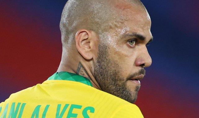 Dani Alves bietet sich an – Barça lehnt ab