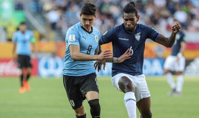 Darwin Núñez (l.) war bei der U20-WM 2019 für Uruguay am Ball