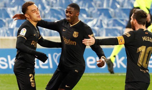 Sergiño Dest freut sich über seinen Treffer