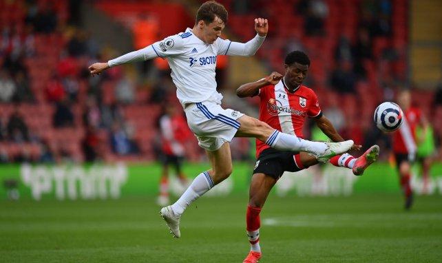 Diego Llorente im Einsatz für Leeds United