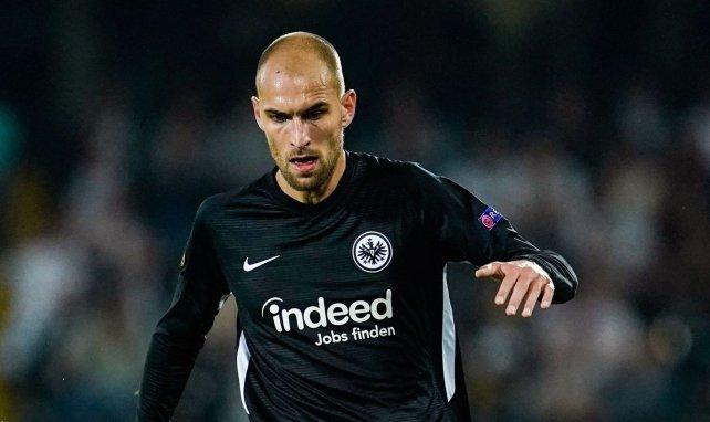 Bas Dost im Einsatz für Eintracht Frankfurt