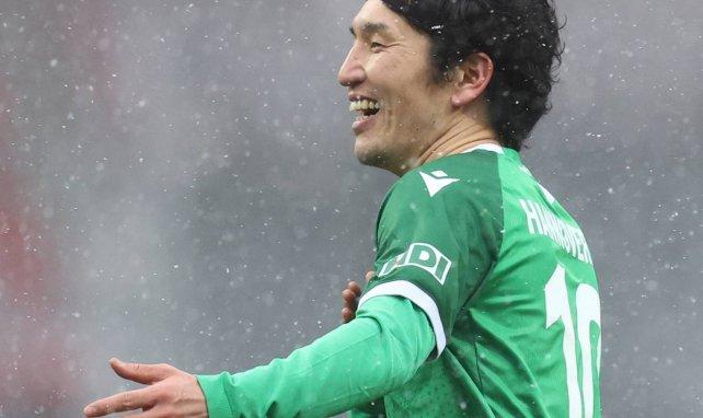 Genki Haraguchi bejubelt sein Tor beim 5:2 gegen den 1. FC Nürnberg