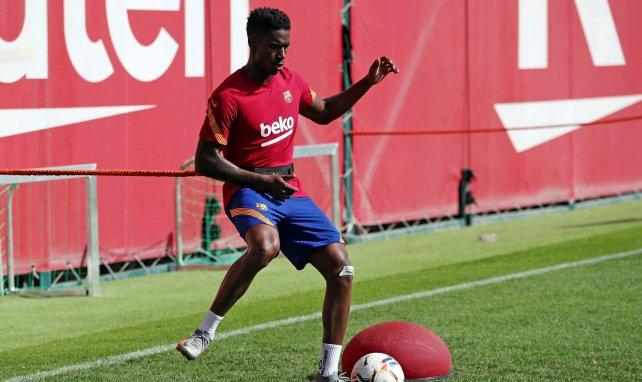 Júnior Firpo im Training des FC Barcelona