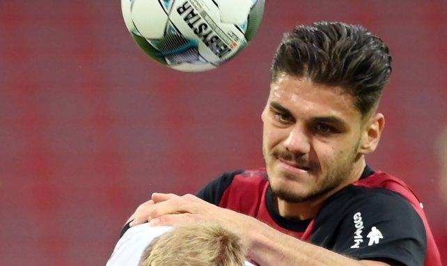 VfB: Mavropanos bereits beim Medizincheck?