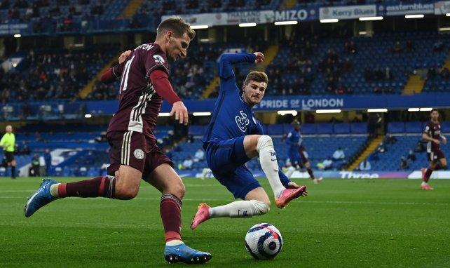 Albrighton verlängert in Leicester