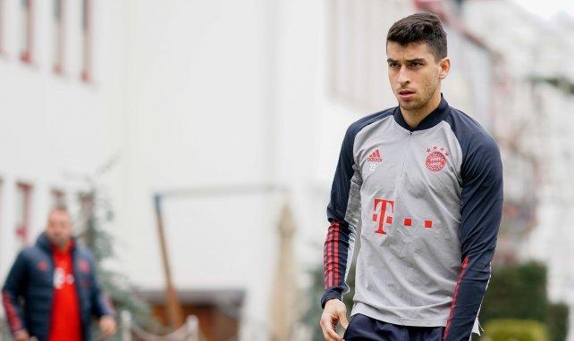 Marc Roca am Trainingsgelände des FC Bayern