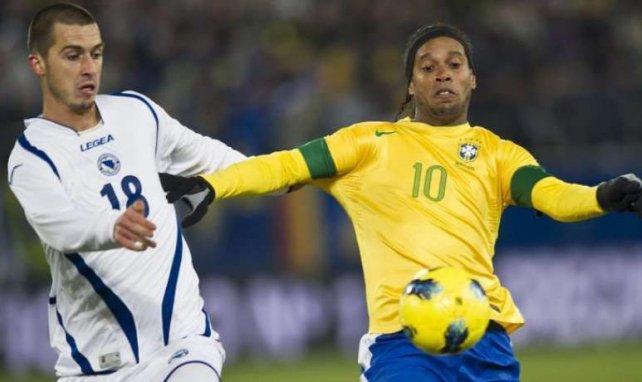 Aktuell noch immer vereinslos: Superstar Ronaldinho (r.)
