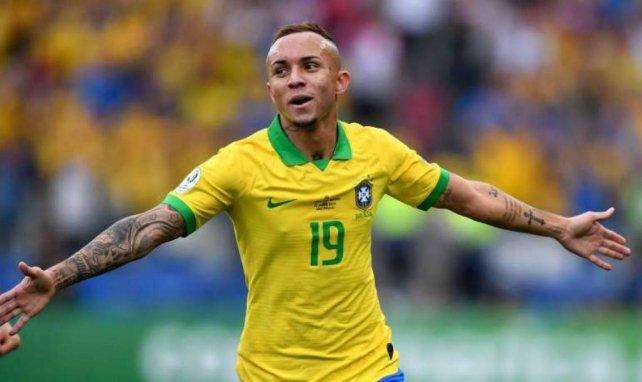 Everton bejubelt seinen Treffer gegen Peru