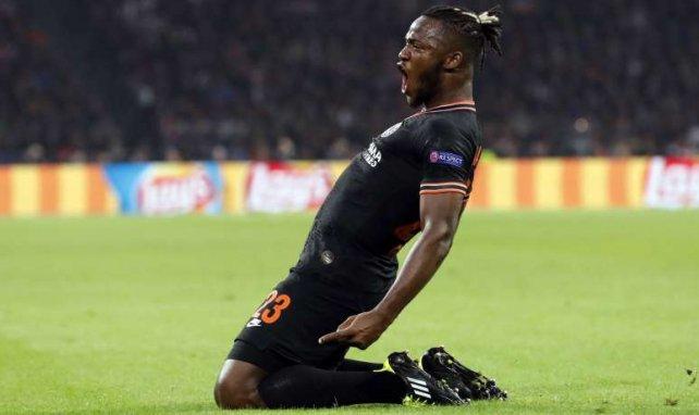 Michy Batshuayi bejubelt seinen 1:0-Siegtreffer gegen Ajax Amsterdam