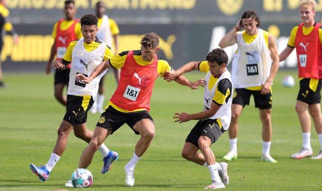 Im direkten Zweikampf: Thomas Meunier (l.) und Mateu Morey