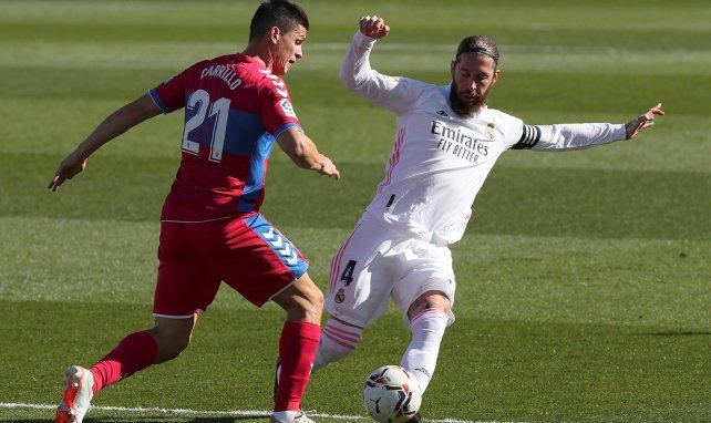 Sergio Ramos im Kampf um den Ball