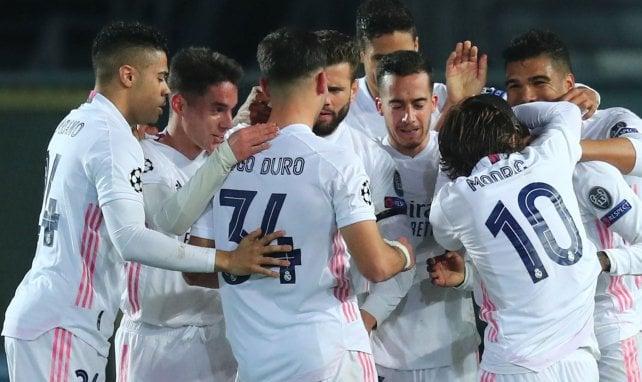 Das Team von Real Madrid beim Torjubel