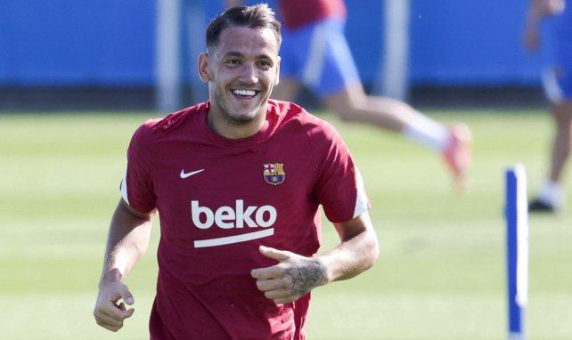 Rey Manaj im Training des FC Barcelona