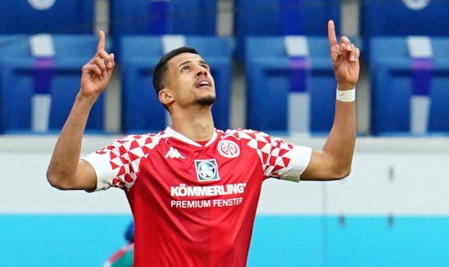 Robert Glatzel bejubelt seinen Treffer gegen die TSG Hoffenheim