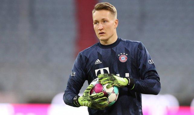 Ron-Thorben Hoffmann beim Warm-up der Bayern-Profis