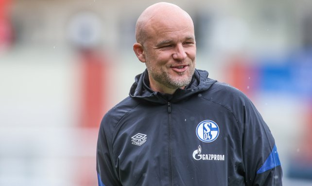 Zwei Töpfe: Schröder erklärt Schalkes XXL-Umbruch