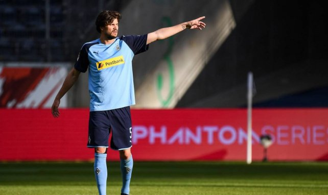 Augsburg verpflichtet Uduokhai & Strobl