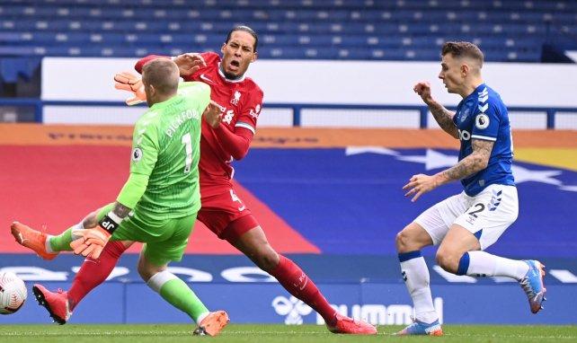 Liverpool: Van Dijk erfolgreich operiert