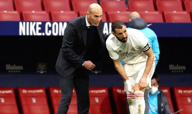 Zinedine Zidane (l.) mit Karim Benzema